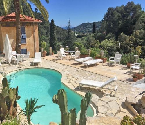 Gite rural Alpes Maritimes, avec piscine